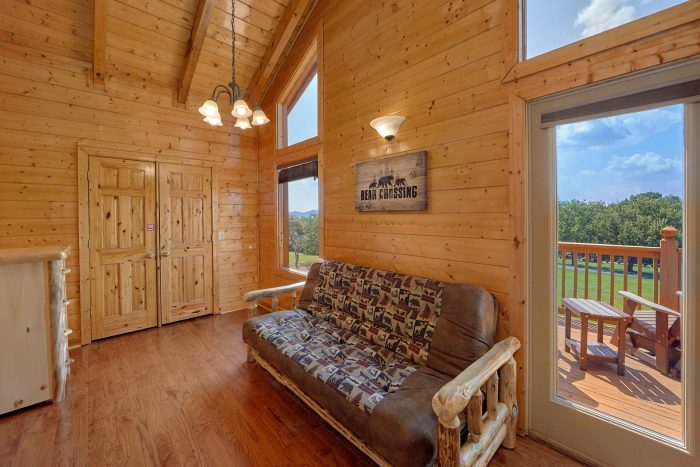 Wears Valley cabin with hot tub on covered deck - Honey Bear