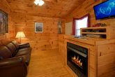 Cozy 2 Bedroom Cabin with Fireplace and TV