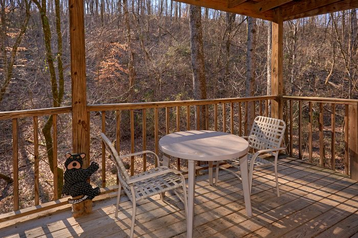 Cabin with Deck, Gas Grill and Swing with View - Honey Bear Hill