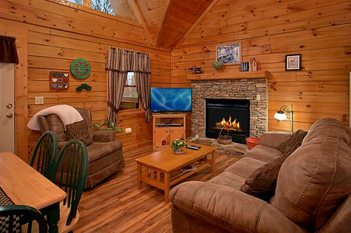 1 Bedroom Cabin Honeymoon Getaway - Honeymoon Getaway