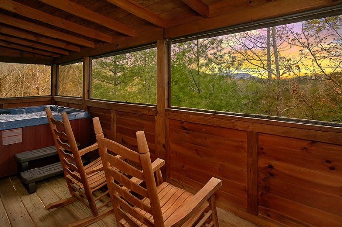 Honeymoon Cabin with Private Hot Tub - Honeymoon Getaway