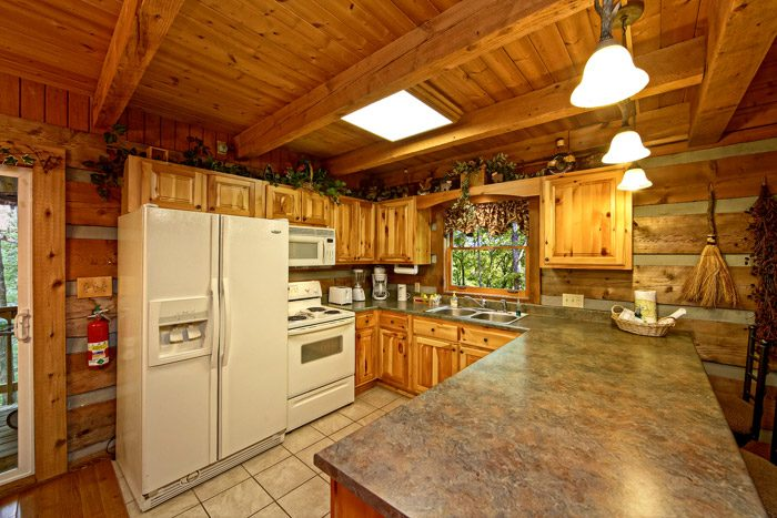 private 3 bedroom cabin in pigeon forge