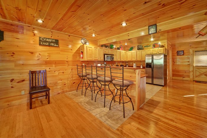 Pigeon Forge Cabin with Additional Bar Seating - Hook, Line and Sinker
