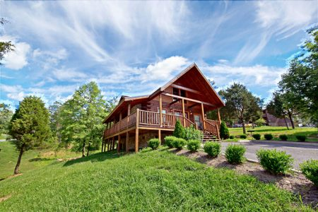 Dainty's Digs: 2 Bedroom Pigeon Forge Cabin Duplex Rental