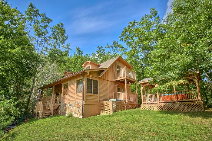 Huckleberry Haven Cabin Rental Photo