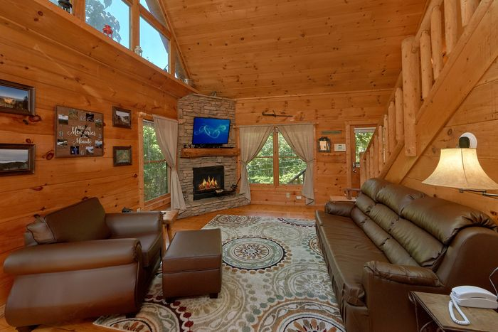 One Bedroom Cabin with Furnished Living Room - Huggable Hideaway