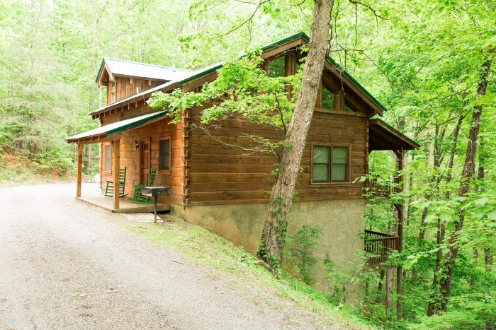 3 Bedroom Cabin Sleeps 8 with Rocking Chairs - Hunting Hollow Haven