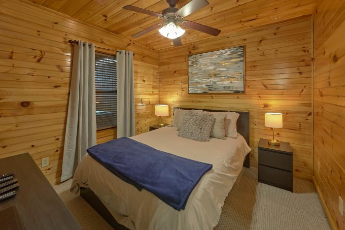 Cabin with mountain Views and private Hot Tub - I Love View