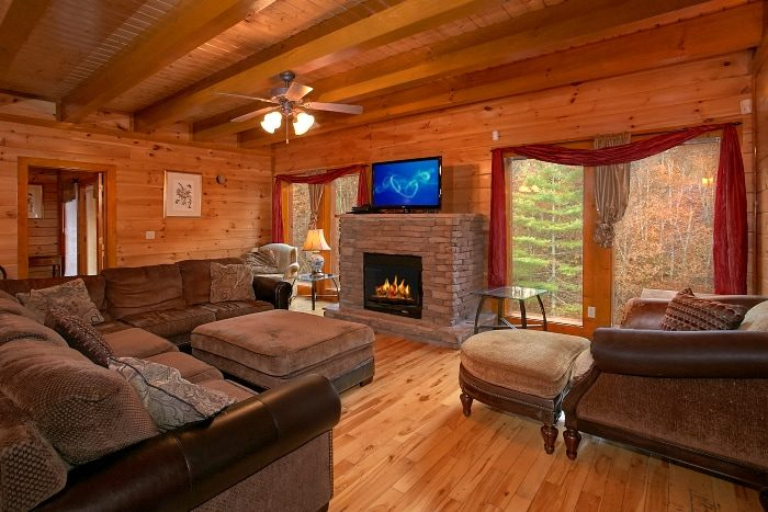 8 Bedroom Cabin in Pigeon Forge Sleeps 24 - Indoor Pool Lodge