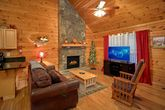 1 Bedroom Cabin with a Flat Screen TV