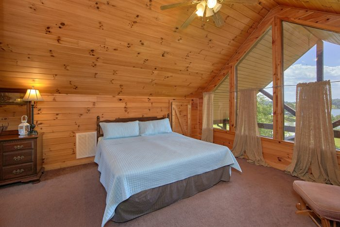 Large Bedroom with Lake View - Ivey's Cove