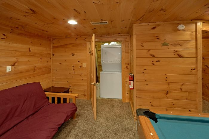1 Bedroom 2 Story Cabin sleeps 6 - Jasmine's Retreat