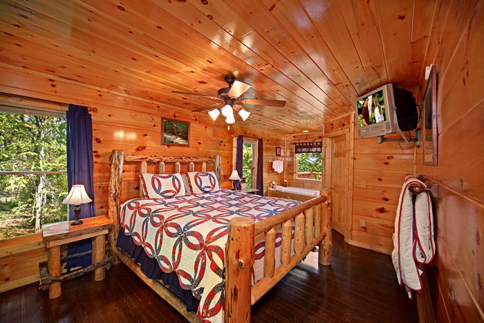 Gatlinburg Cabin with King Size Suite - Just Breathtaking