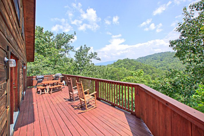 Spacious Deck with Amazing View - Kayla's Hideaway