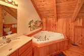 Loft Bedroom with Jacuzzi