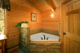 1 Bedroom Cabin with an in-suite jacuzzi tub