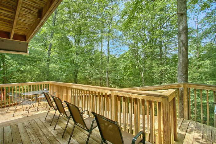 4 Bedroom Cabin with Ramp Access to deck - Kickin Back