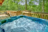 Luxury 4 Bedroom Cabin with Hot Tub