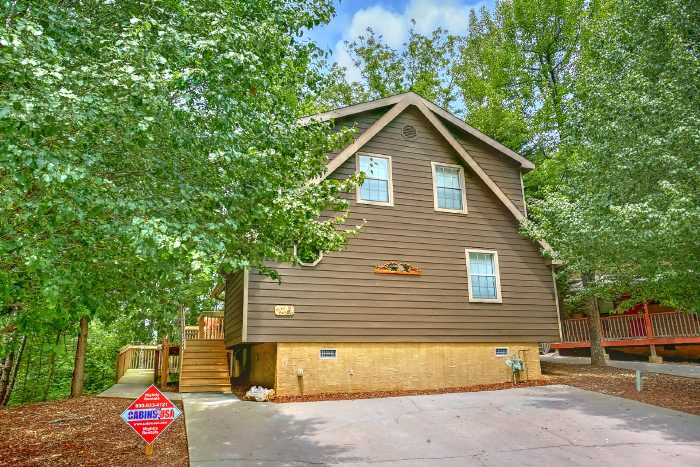 4 Bedroom Resort Cabin with Wooded Views - Happy Trails