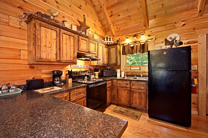 Cabin with Fully Functional Kitchen - Kisses & Wishes