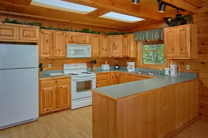 1 Bedroom Cabin with Fully Stocked Kitchen - Knotty and Nice
