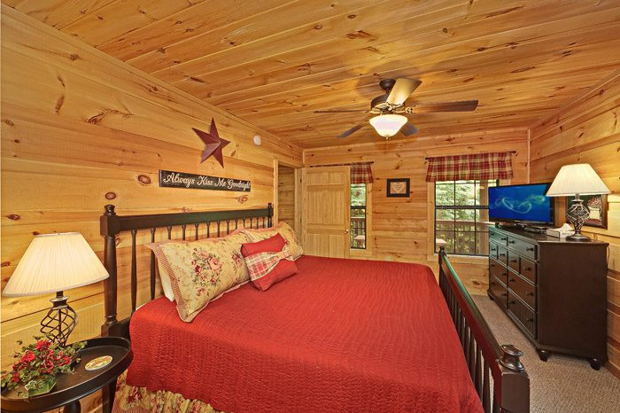 Lovely King Size Bedroom - Laurel Cove