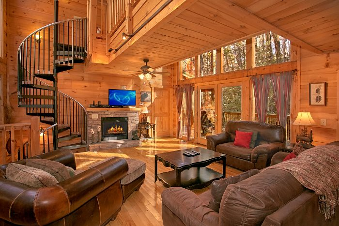 3 Bedroom Gatlinburg Cabin with Fireplace - Laurel Creek