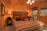 Luxurious 3 Bedroom Cabin with King Bedroom