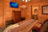Private Master Suite in 3 Bedroom Cabin
