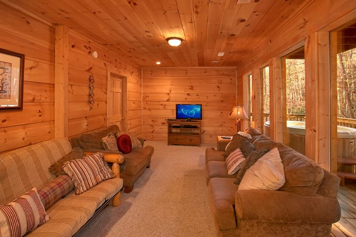 3 Bedroom Cabin with Family Room and TV - Laurel Creek