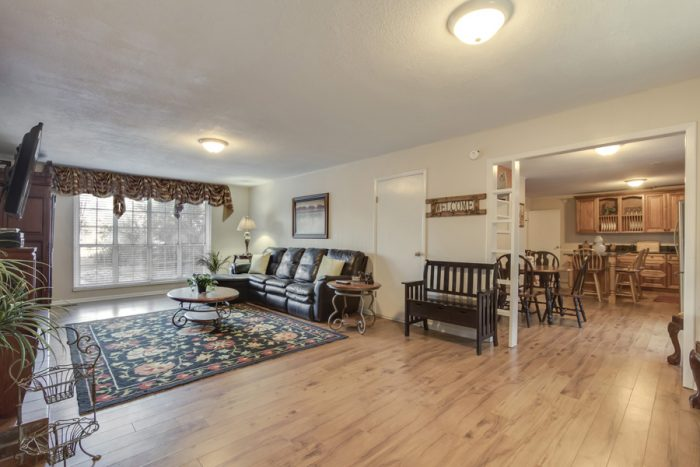 One level home with Fireplace and Living Room - Lazy Mountain Ranch
