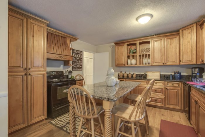 Fully Furnished kitchen in 4 Bedroom Cabin - Lazy Mountain Ranch