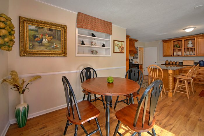 4 Bedroom rental with Dining Area and Kitchen - Lazy Mountain Ranch