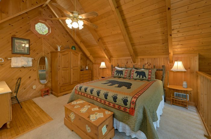 Smoky Mountain 1 Bedroom Cabin with Hot Tub - Lazy Retreat