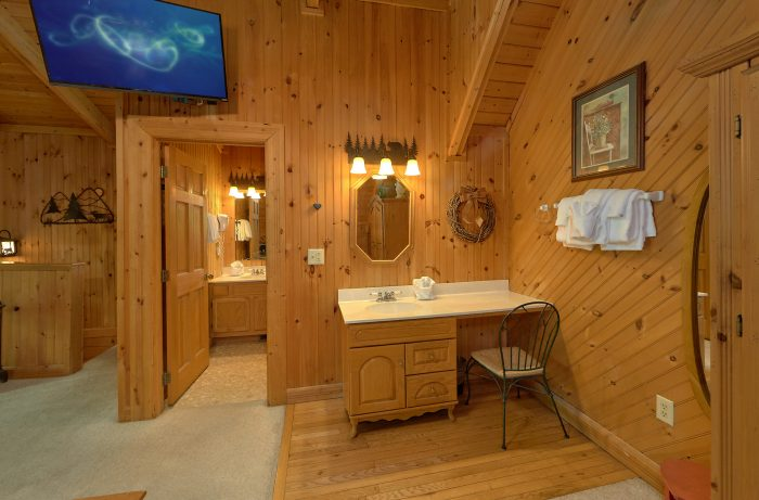 Wears Valley Cabin with Wooded View - Lazy Retreat