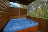 2 Bedroom Cabin with Gas Grill Sleeps 6