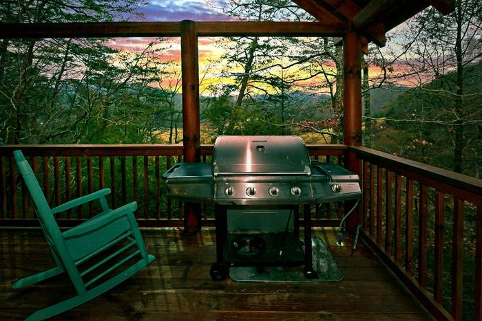 Cabin with Grill - Little Cove Hideaway