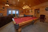 Luxury Cabin with Game Room and Poker Table