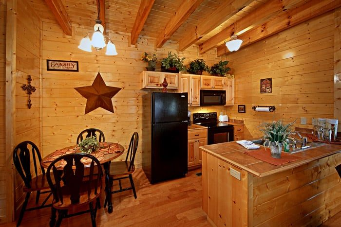 Cabin with Kitchen and Dining Table - Lovers Paradise