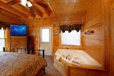 Jacuzzi in King Suite of Cabin
