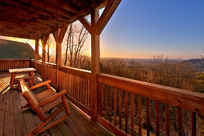 2 Bedroom Premium Cabin with Beautiful Views - Lucky Break