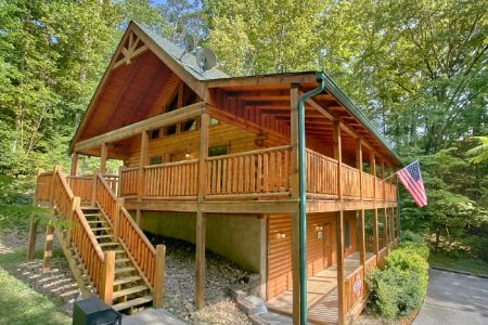 Mountain Valley Dreams: 3 Bedroom Sevierville Cabin Rental