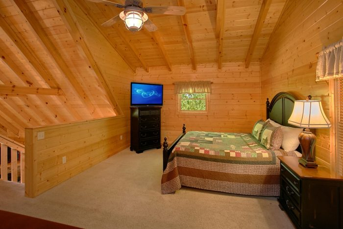3 Bedroom Cabin with 4 Private Bathrooms - Lucky Logs Lodge