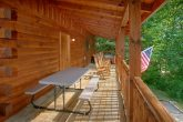 3 Bedroom Cabin with Picnic Table and Chairs