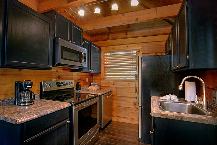 2 Bedroom Luxury Cabin with Full Kitchen - Lucky to be with View