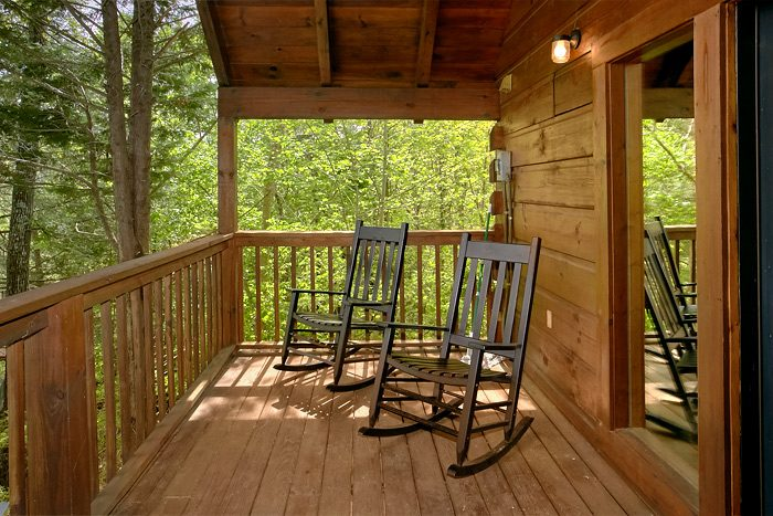 2 Bedroom Cabin with Covered Deck and View - Lucky to be with View
