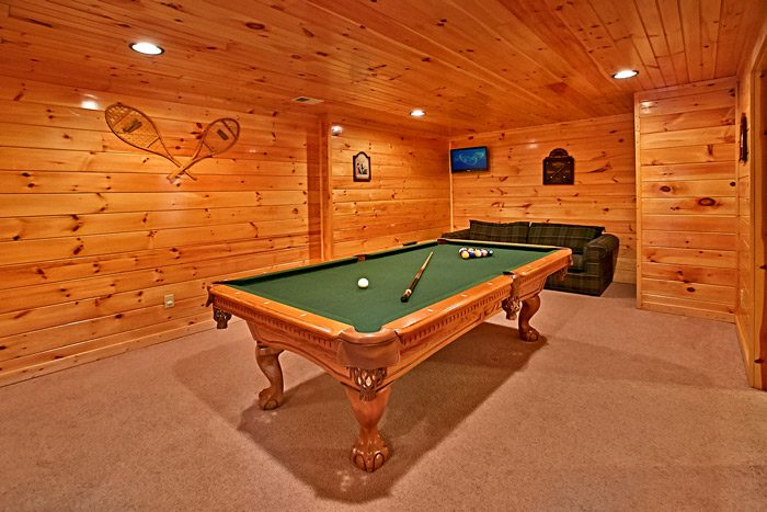Smoky Mountain Cabin with Game Room - Made in the Shade