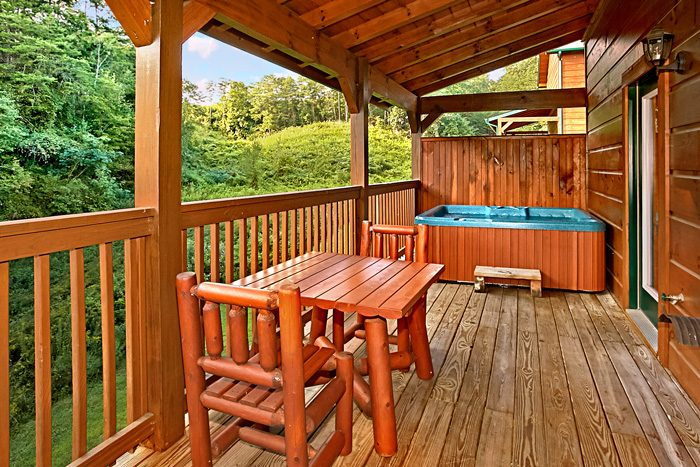 Pigeon Forge Cabin with Outdoor Hot Tub - Made in the Shade