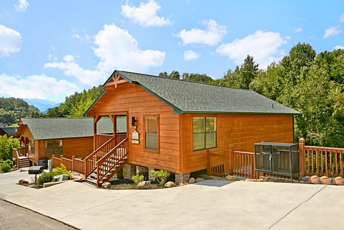 Smoky Mountain Three Bedroom Cabin Rental - Made in the Shade