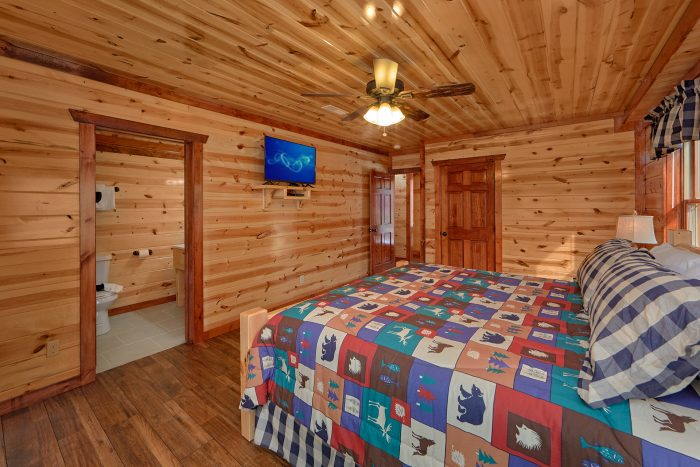 5 Bedroom Cabin with a TV in Every Room - Makin' Waves